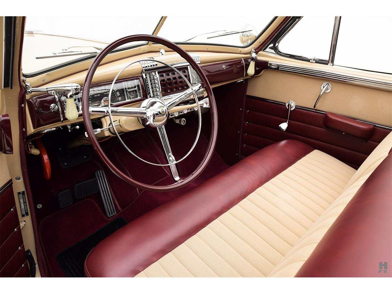 Large Picture of Classic '47 Chrysler Town & Country located in Saint Louis Missouri - L804