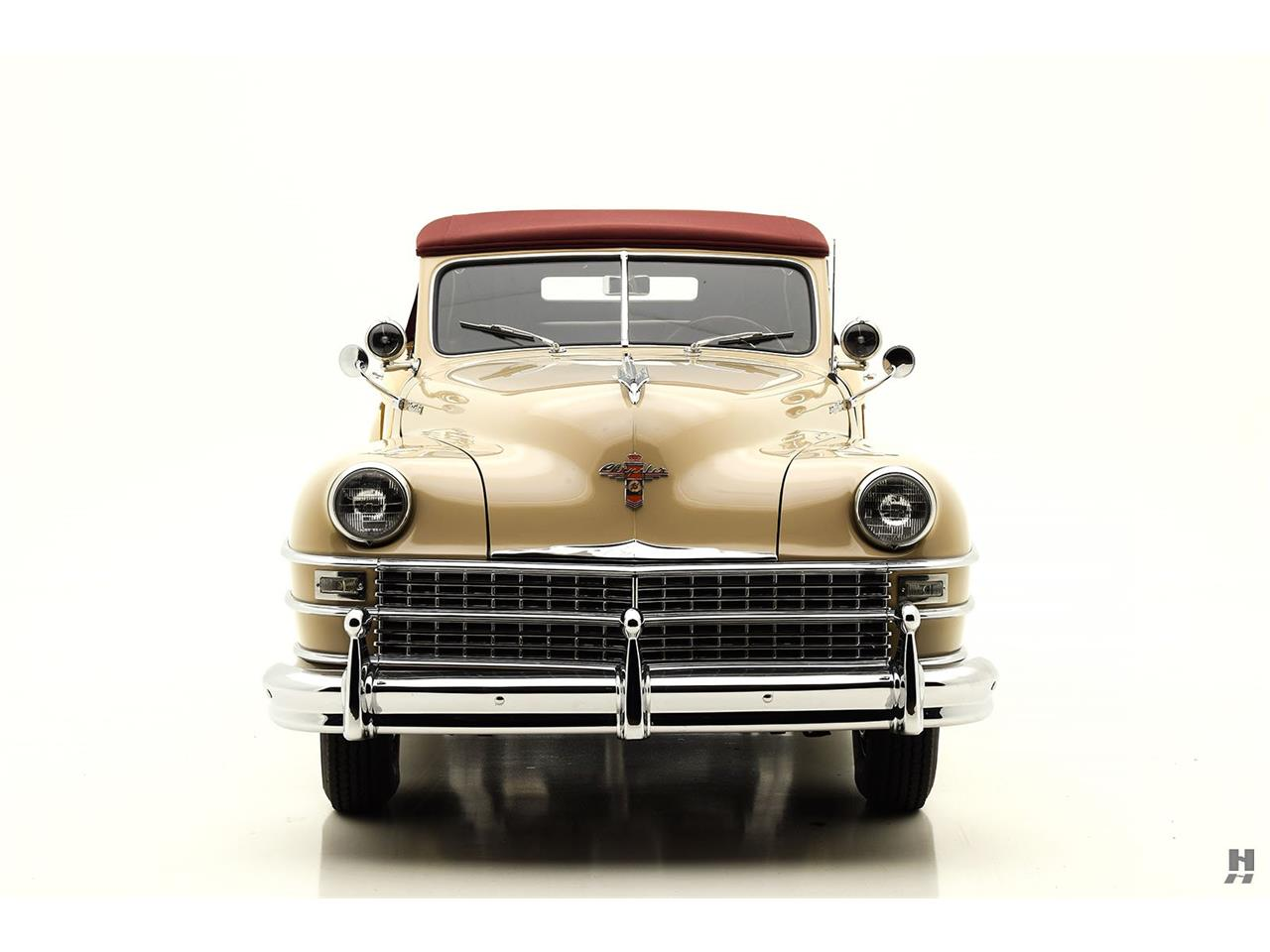 Large Picture of Classic 1947 Chrysler Town & Country - L804