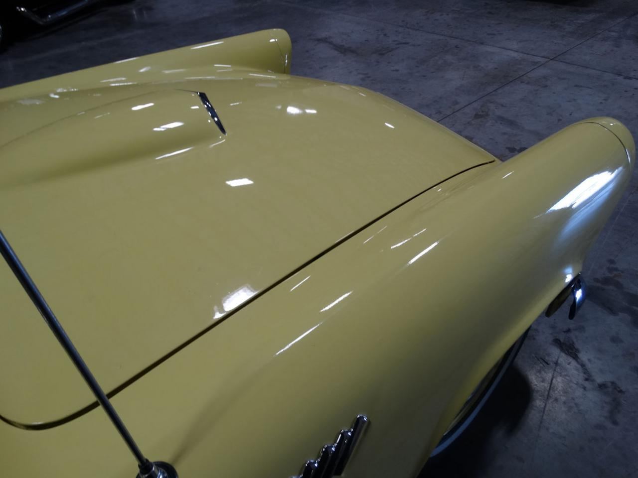 Large Picture of Classic 1956 Thunderbird - L91T