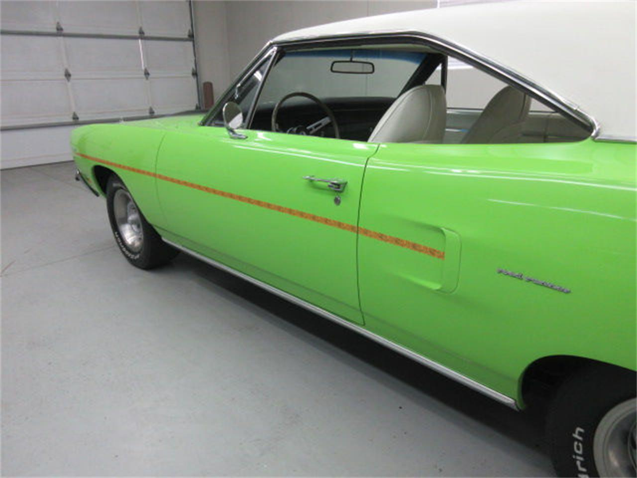 Large Picture of Classic 1970 Plymouth Road Runner - L81P