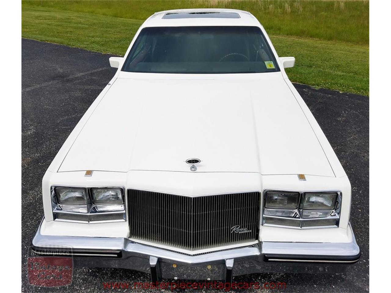 Large Picture of 1985 Buick Riviera located in Whiteland Indiana - L82V