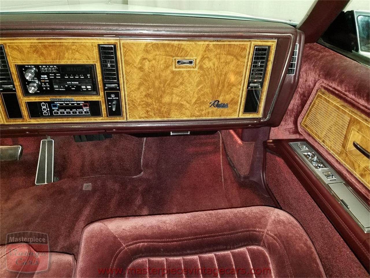 Large Picture of '85 Riviera - $8,950.00 - L82V