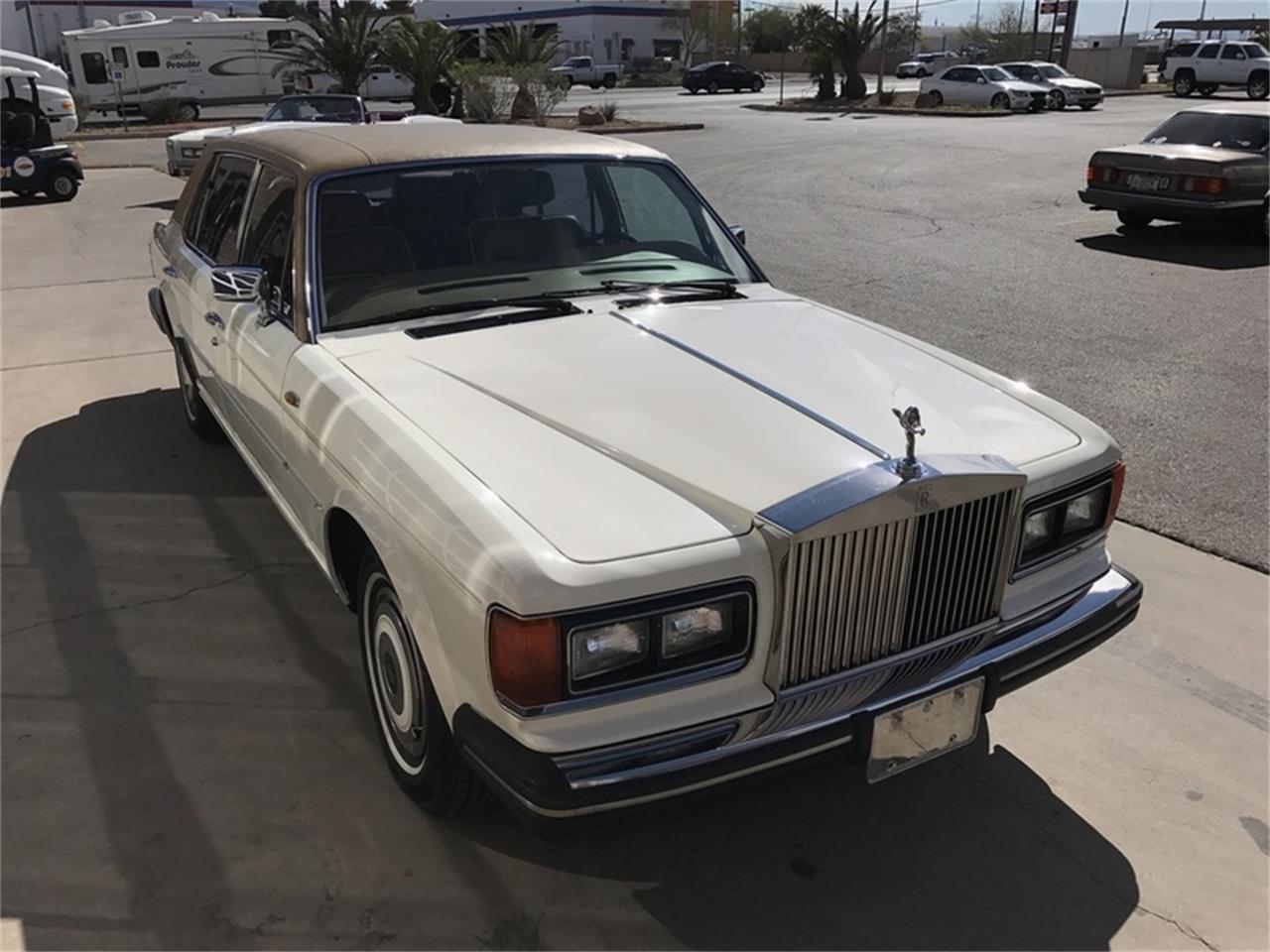 Large Picture of '87 Rolls-Royce Silver Spur located in Nevada - $18,900.00 - L9UE