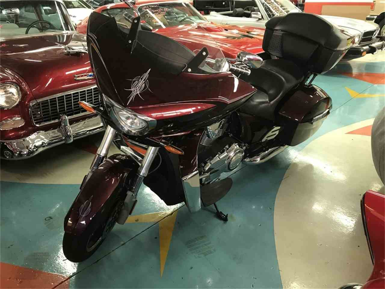 Large Picture of 2010 Victory Cross Country located in Henderson Nevada - $9,800.00 Offered by Atomic Motors - L9US
