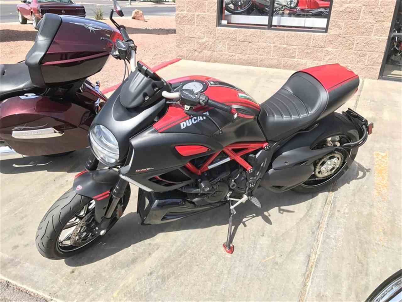Large Picture of '12 Diavel - L9UY