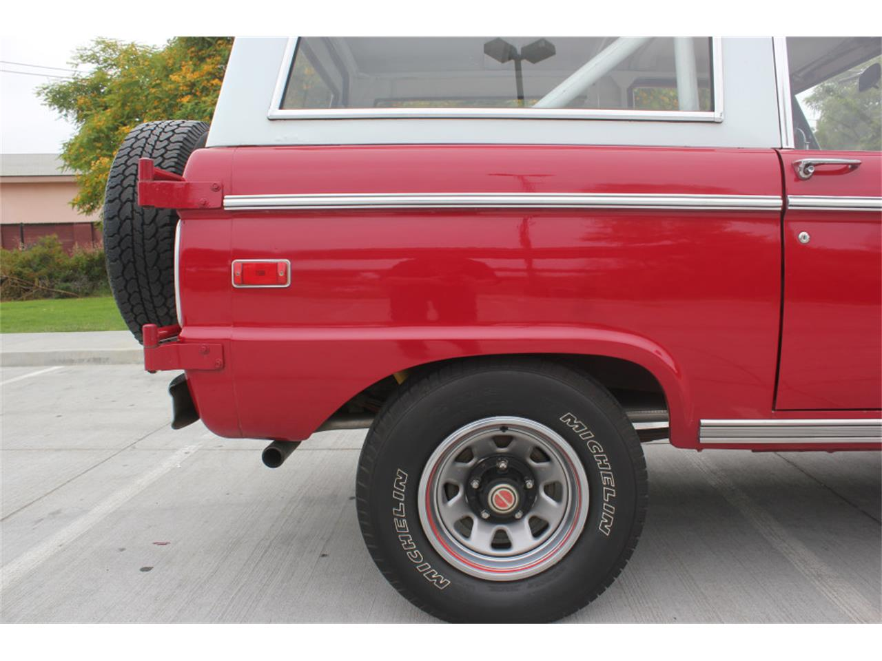 Large Picture of '71 Ford Bronco - $36,500.00 Offered by Precious Metals - L83A