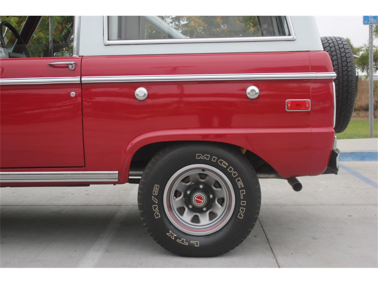 Large Picture of Classic 1971 Ford Bronco - $36,500.00 - L83A
