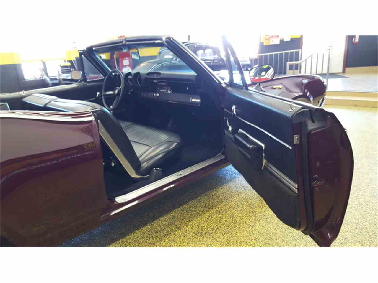 Large Picture of Classic 1968 Cutlass    Convertible - L9ZI