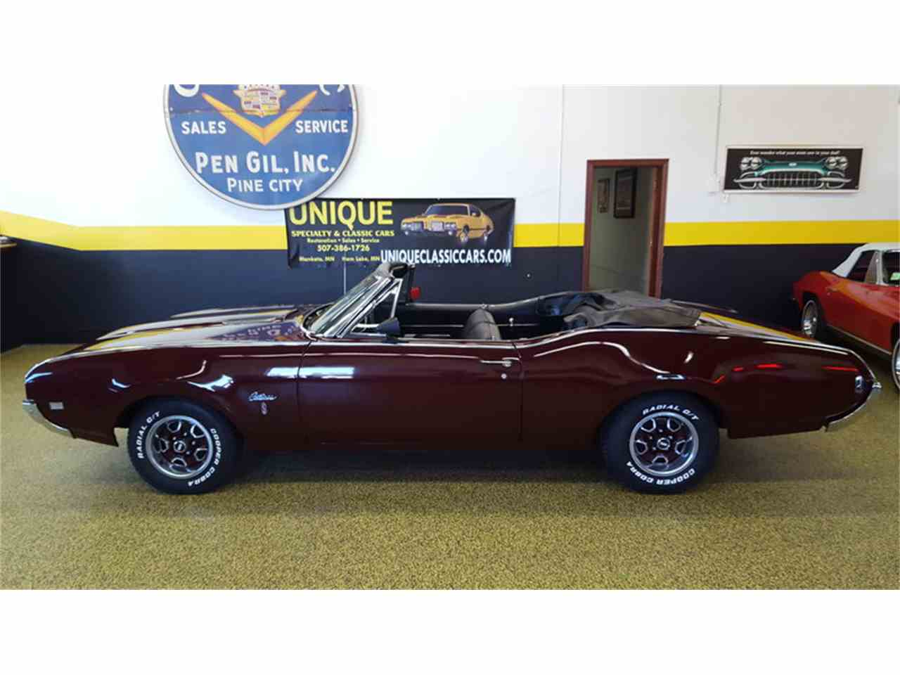 Large Picture of Classic '68 Cutlass    Convertible located in Mankato Minnesota Offered by Unique Specialty And Classics - L9ZI