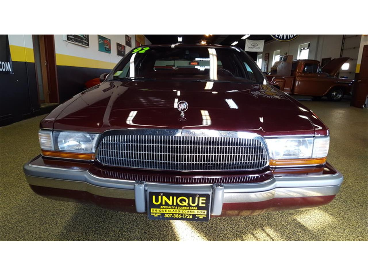 Large Picture of '92 Buick Roadmaster    Limited - $9,900.00 - L9ZQ