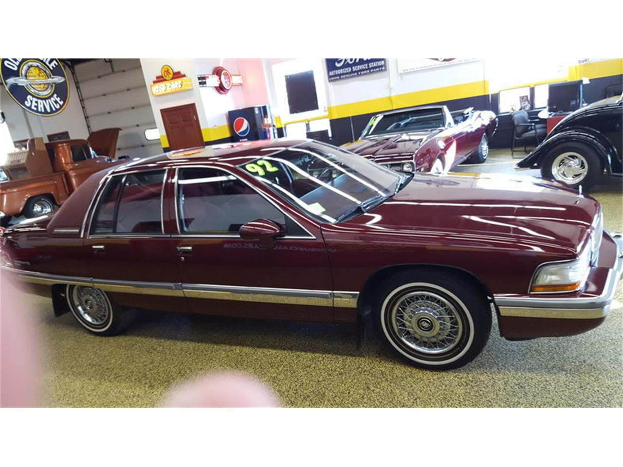 Large Picture of '92 Roadmaster    Limited located in Mankato Minnesota - $9,900.00 Offered by Unique Specialty And Classics - L9ZQ