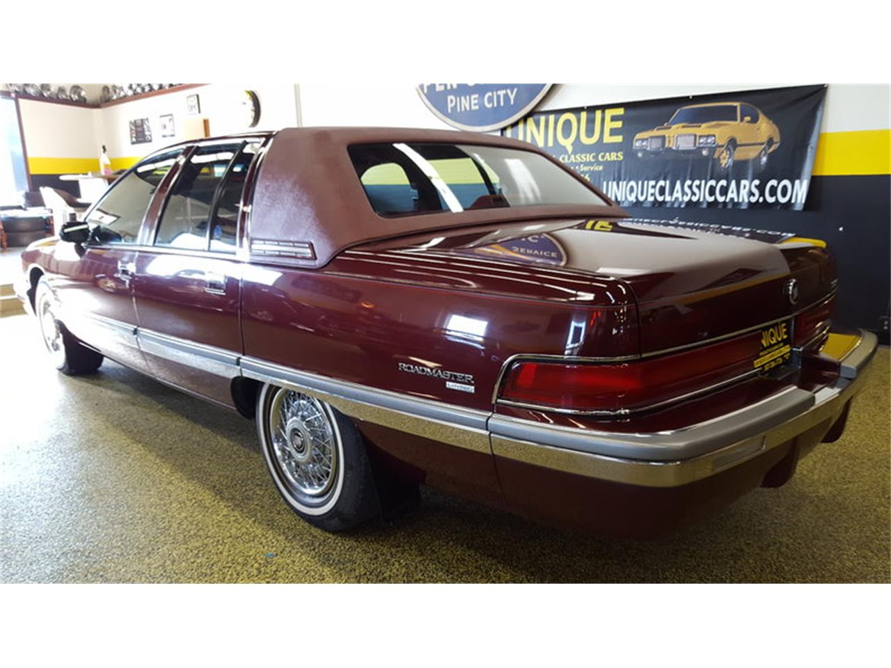 Large Picture of '92 Buick Roadmaster    Limited located in Mankato Minnesota Offered by Unique Specialty And Classics - L9ZQ