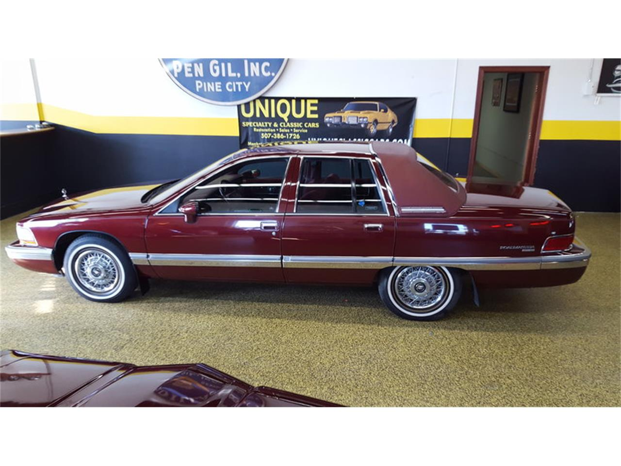 Large Picture of 1992 Roadmaster    Limited - L9ZQ