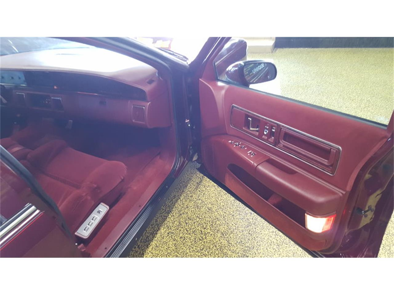 Large Picture of '92 Buick Roadmaster    Limited - $9,900.00 Offered by Unique Specialty And Classics - L9ZQ