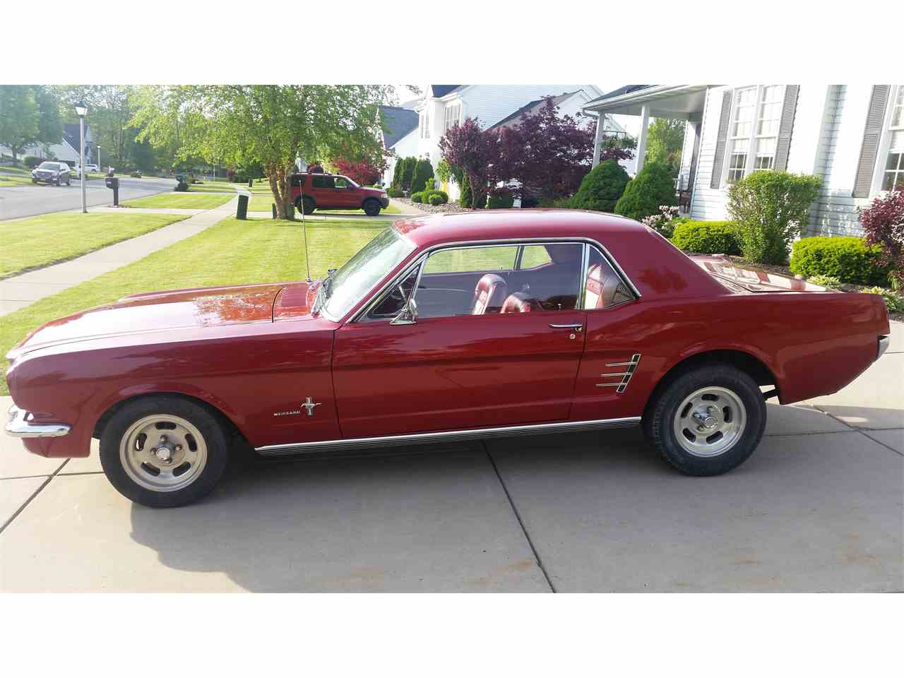 Large Picture of '66 Mustang - LA2P