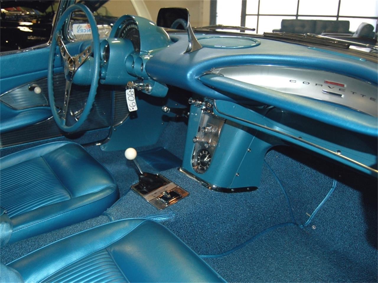 Large Picture of '61 Corvette - LA91