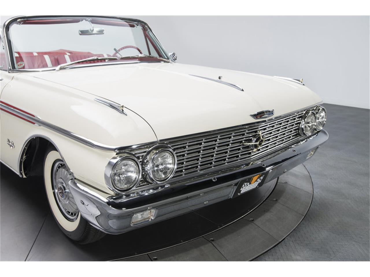Large Picture of Classic '62 Ford Galaxie - LABX