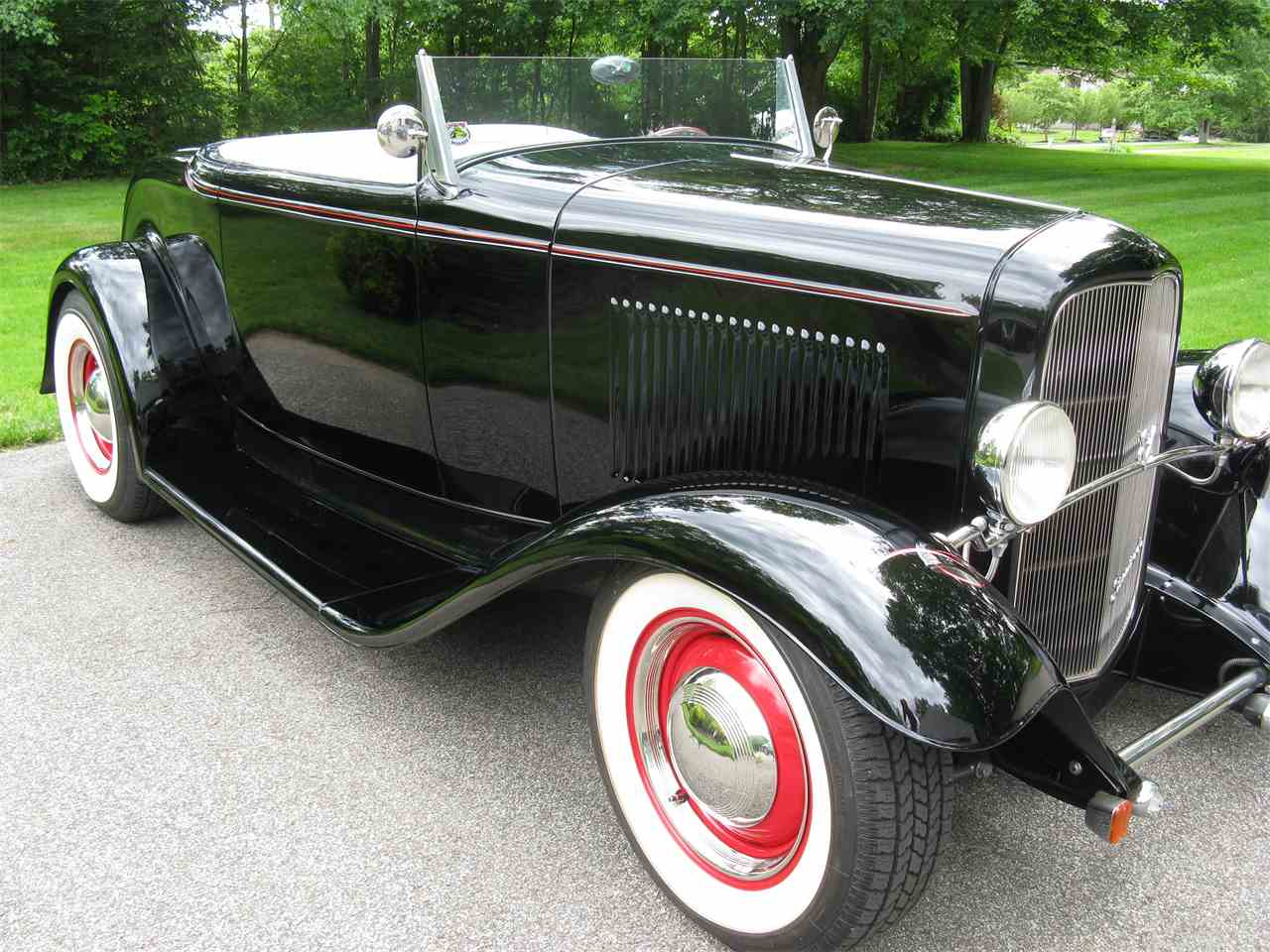 Large Picture of Classic 1932 Ford Roadster - $54,900.00 - LAH5