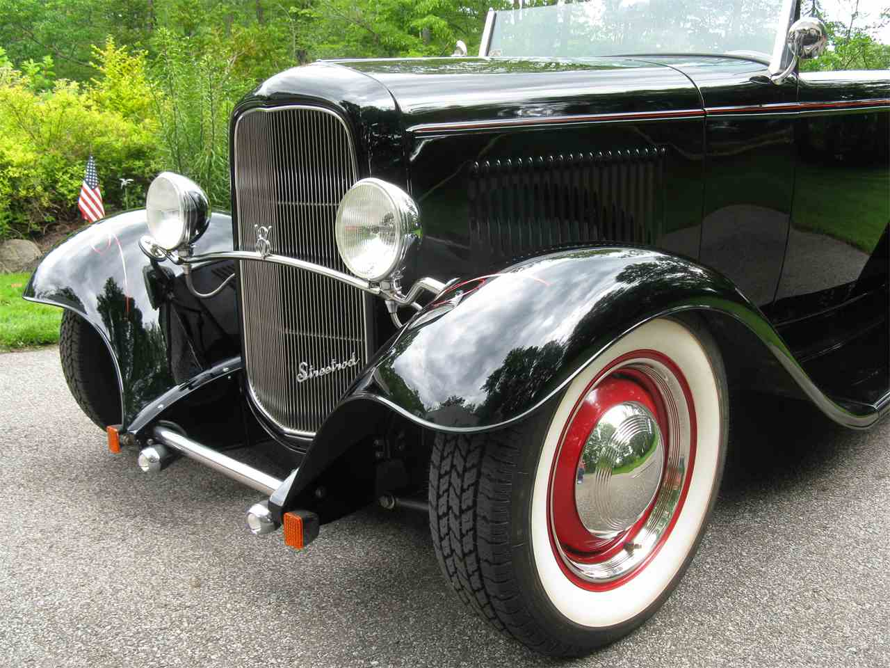 Large Picture of Classic 1932 Ford Roadster - LAH5