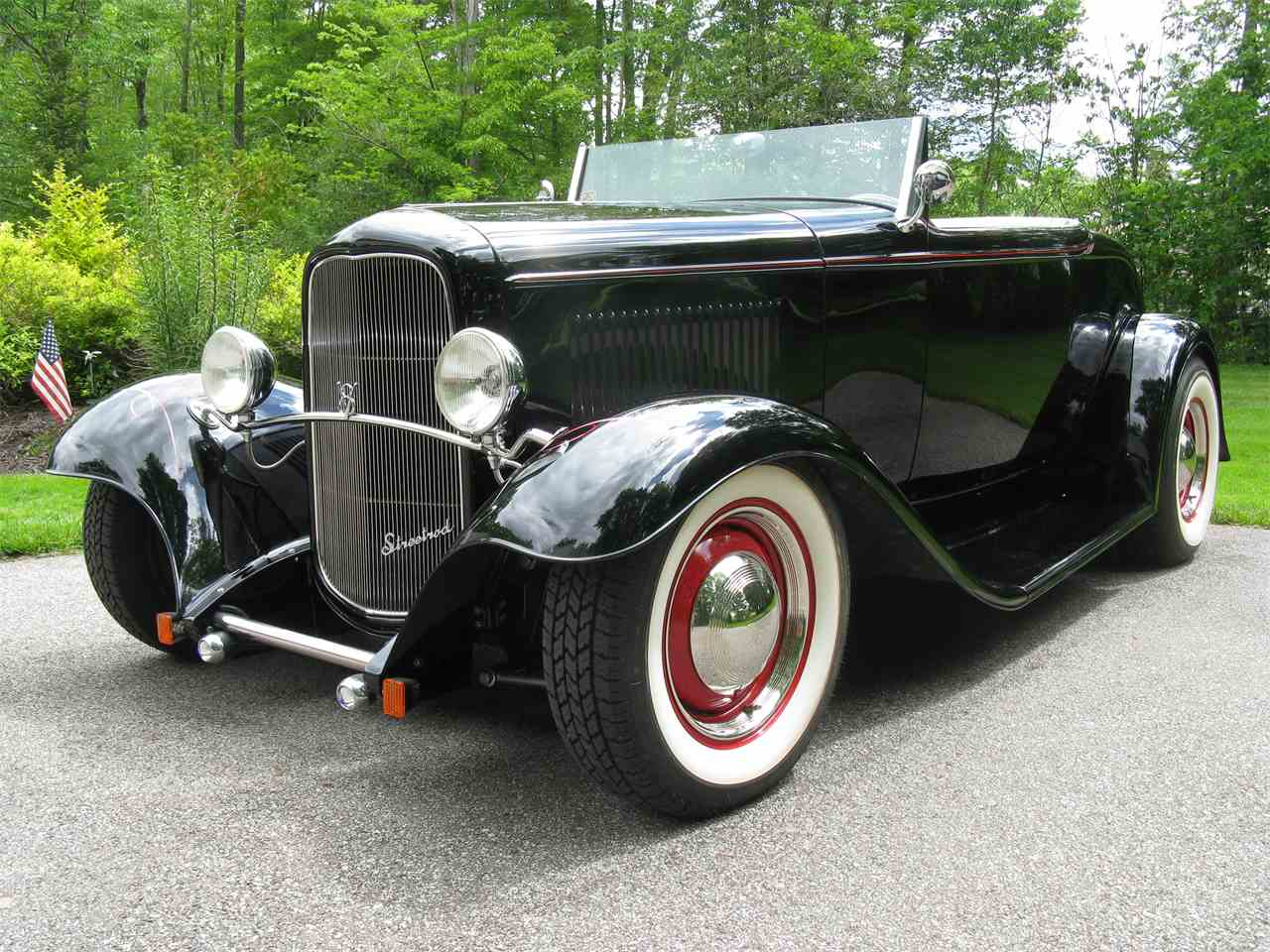 Large Picture of 1932 Ford Roadster located in Shaker Heights Ohio - LAH5