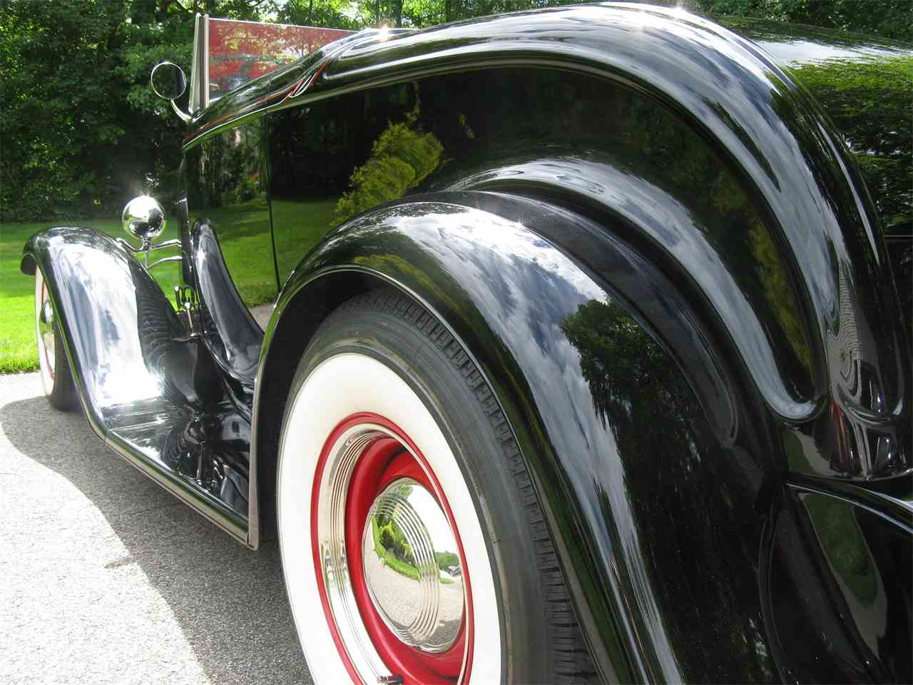 Large Picture of '32 Ford Roadster Offered by Affordable Classics Motorcars LLC - LAH5