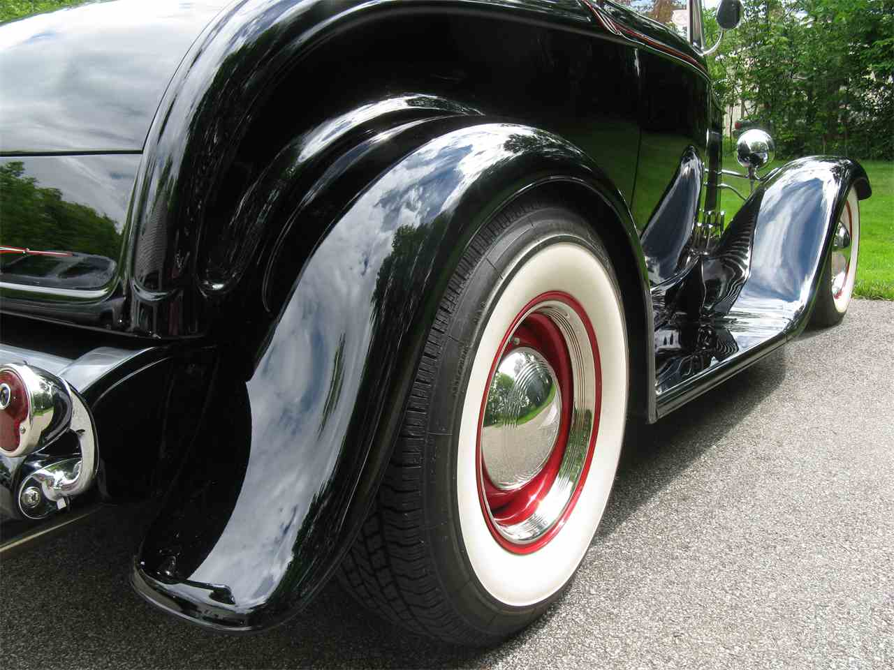 Large Picture of 1932 Ford Roadster - $54,900.00 - LAH5