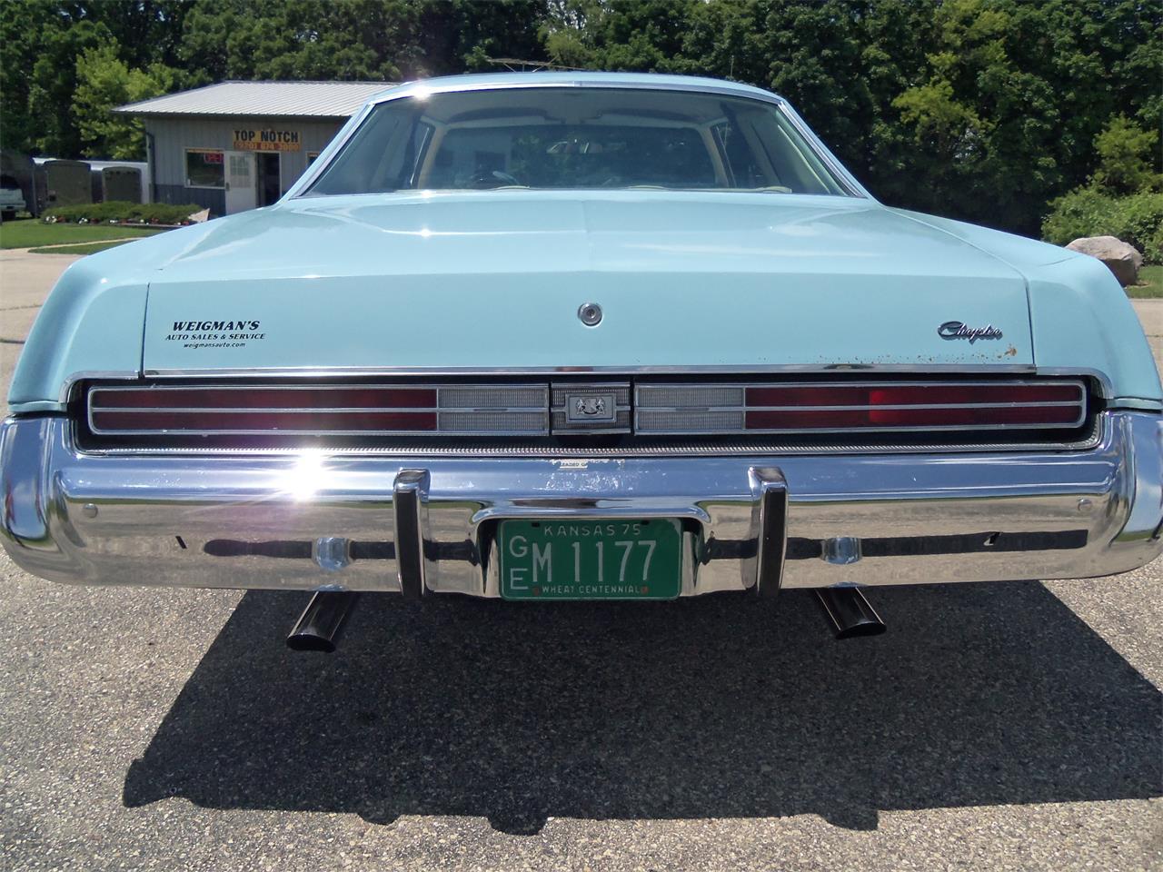 Large Picture of '76 Newport 2 Door Hardtop - LAHY