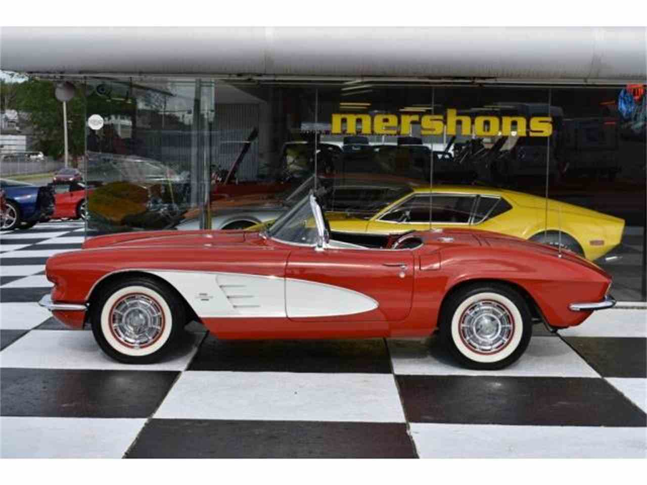 Large Picture of '61 Corvette - L7WY