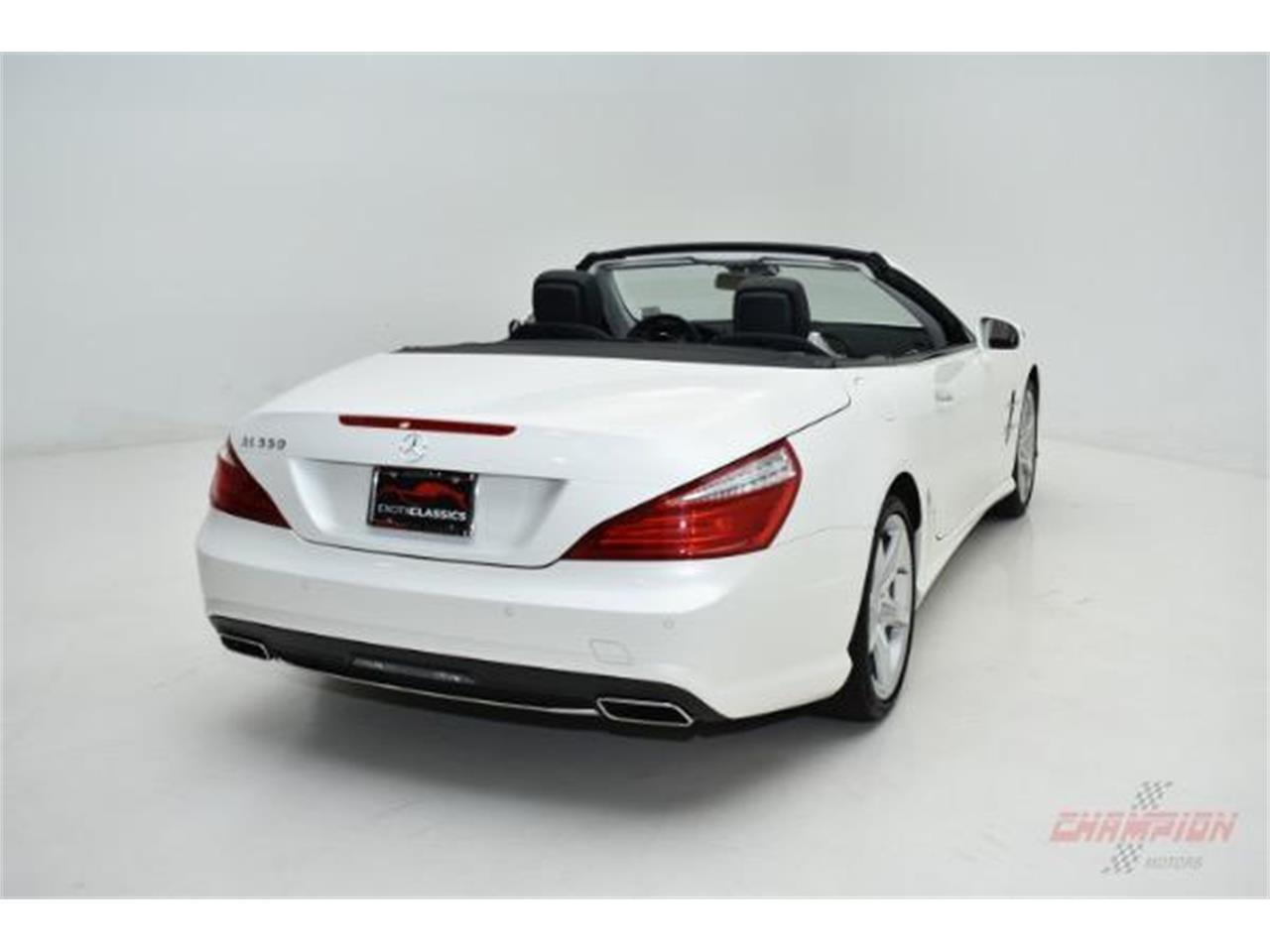 Large Picture of 2013 SL-Class located in Syosset New York Offered by Champion Motors - LAMP