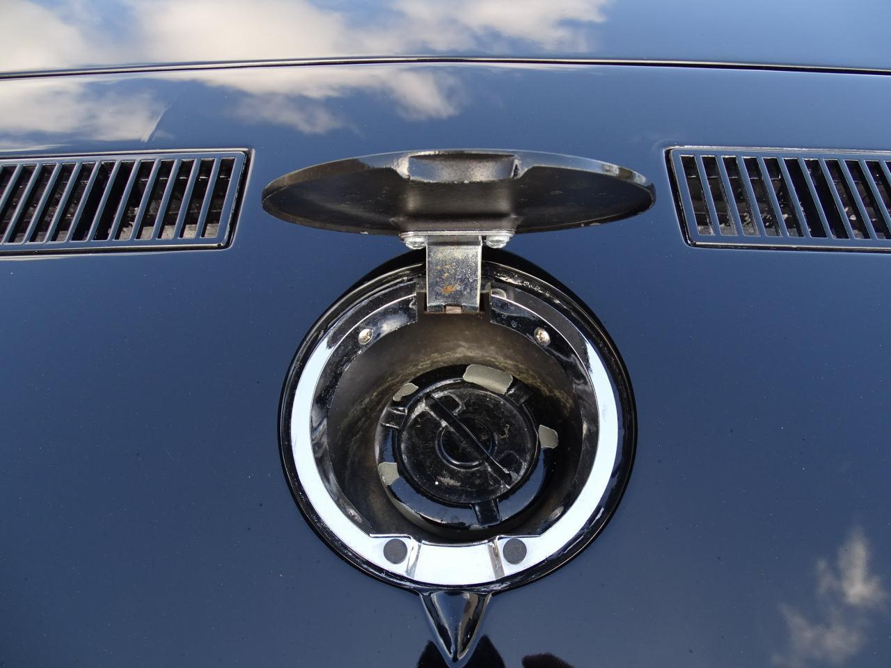 Large Picture of 1974 Chevrolet Corvette - LAOQ