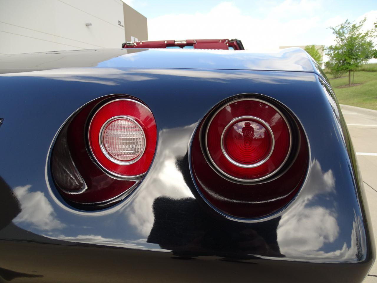 Large Picture of 1974 Chevrolet Corvette located in DFW Airport Texas Offered by Gateway Classic Cars - Dallas - LAOQ