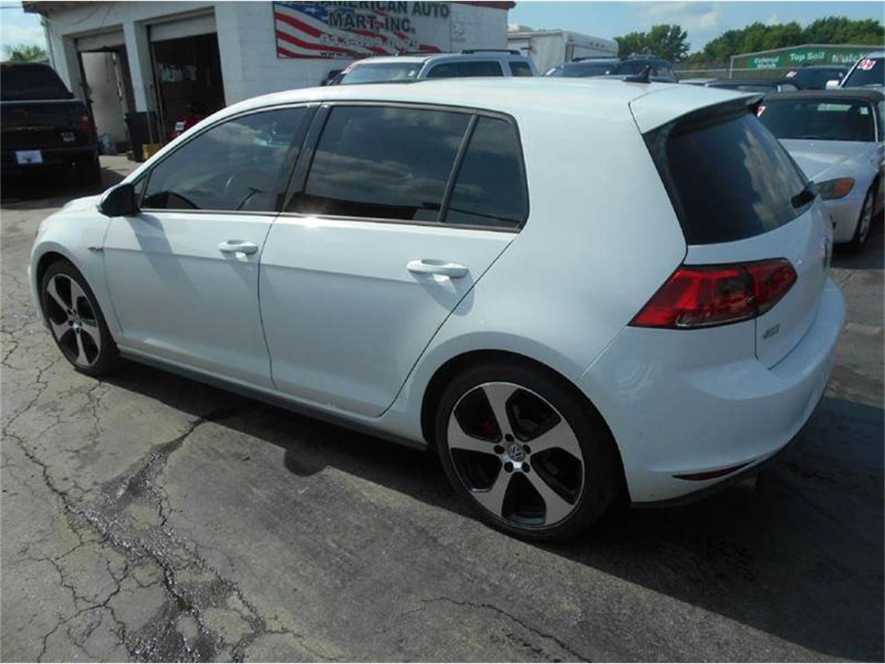 Large Picture of '15 Volkswagen Golf GTI located in Kansas - $22,995.00 - LATE