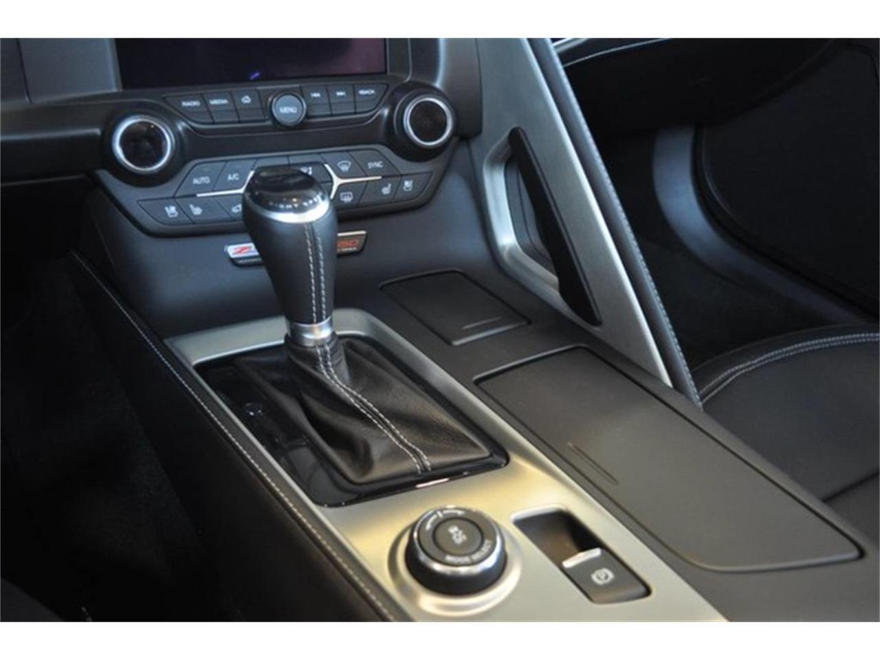Large Picture of 2015 Corvette Auction Vehicle - LATH
