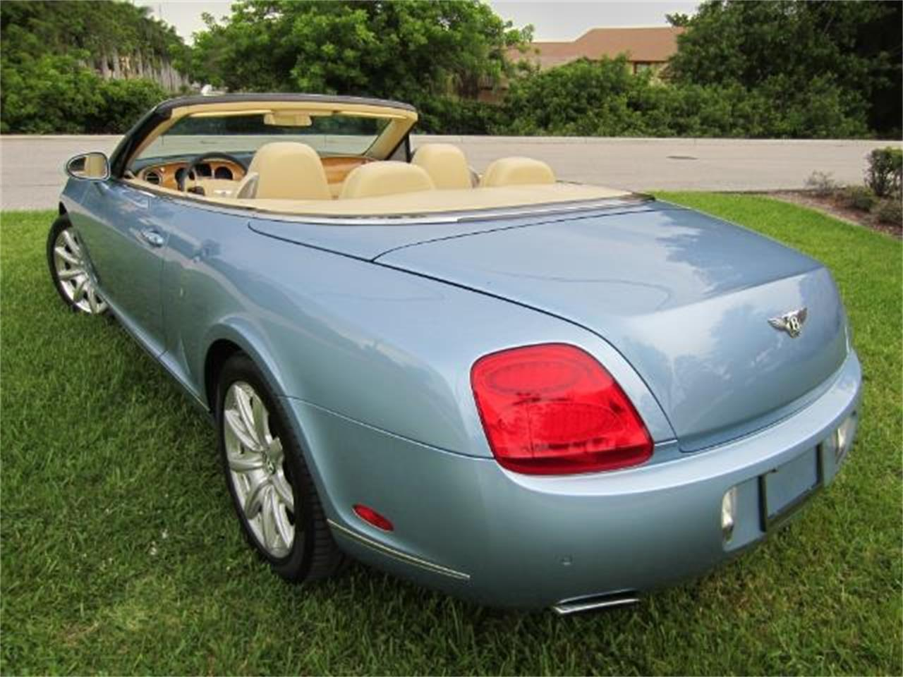 Large Picture of '08 Continental GTC Auction Vehicle - LATV