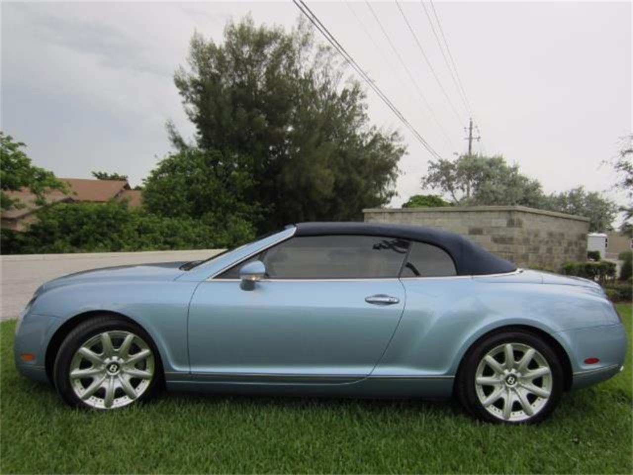 Large Picture of 2008 Continental GTC located in Florida Auction Vehicle Offered by Autosport Group - LATV