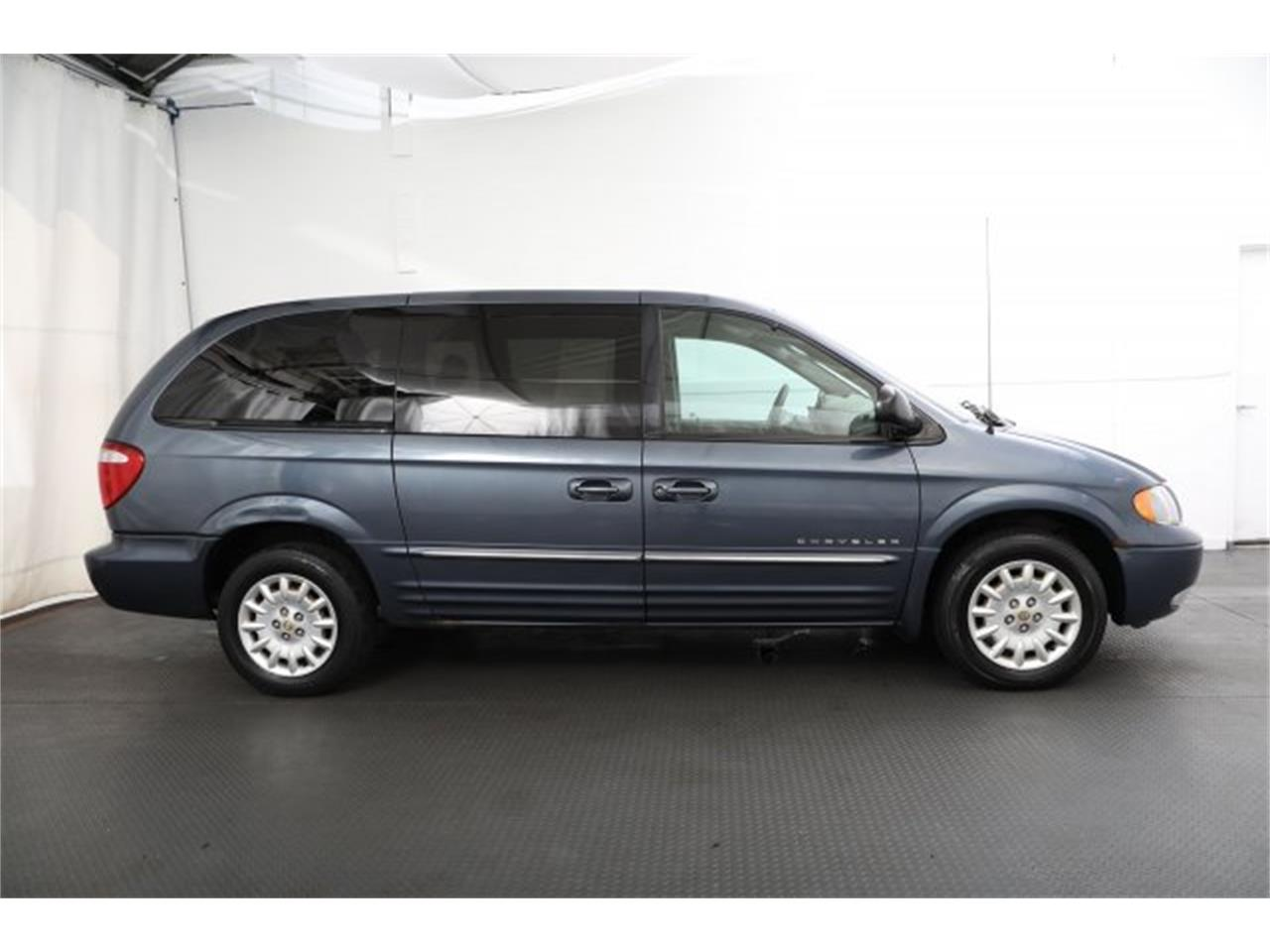 Large Picture of 2001 Town & Country - $6,995.00 Offered by Carson Cars - LAVD