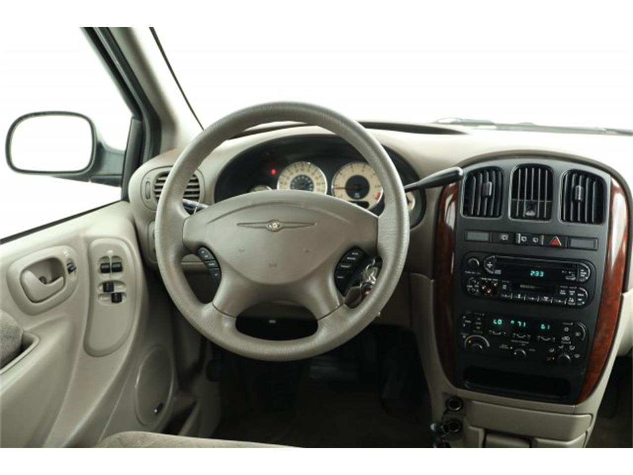 Large Picture of 2001 Chrysler Town & Country located in Lynnwood Washington Offered by Carson Cars - LAVD