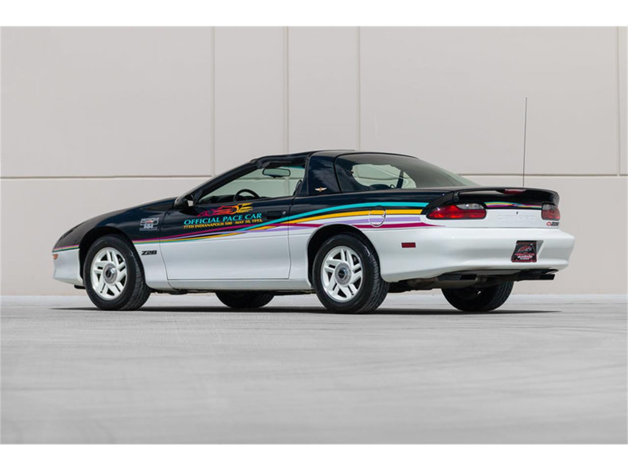 Large Picture of '93 Camaro - $15,500.00 Offered by Fast Lane Classic Cars Inc. - LAVL