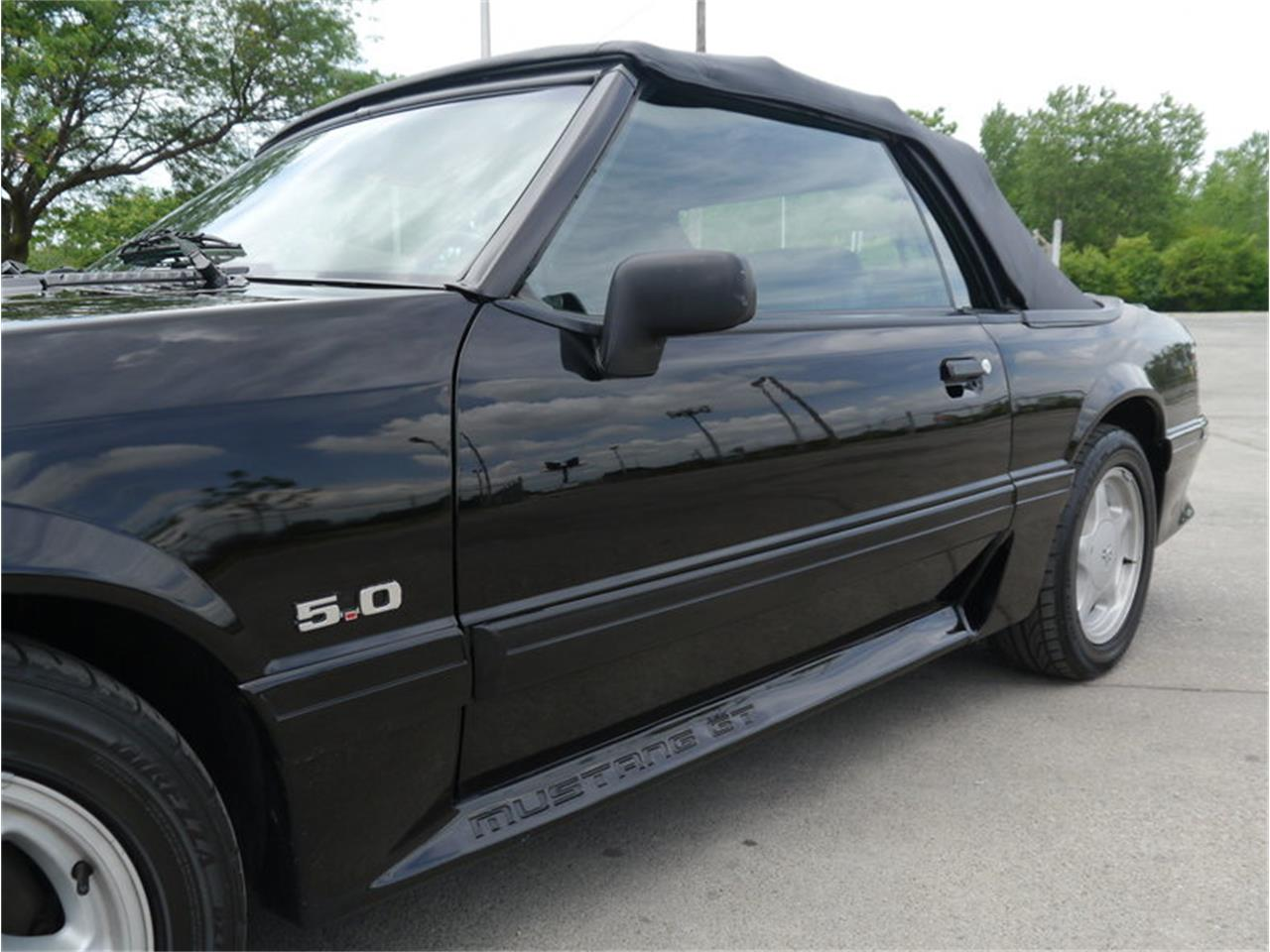 Large Picture of '93 Mustang - LAVO