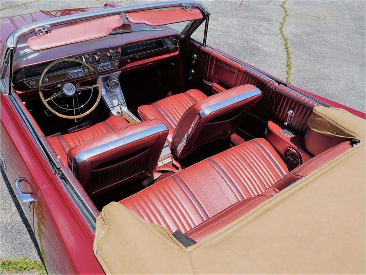 Large Picture of Classic 1963 Pontiac Bonneville - LAZG