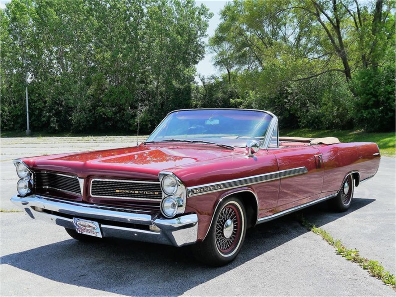 Large Picture of Classic '63 Pontiac Bonneville located in Illinois - $29,900.00 Offered by Midwest Car Exchange - LAZG