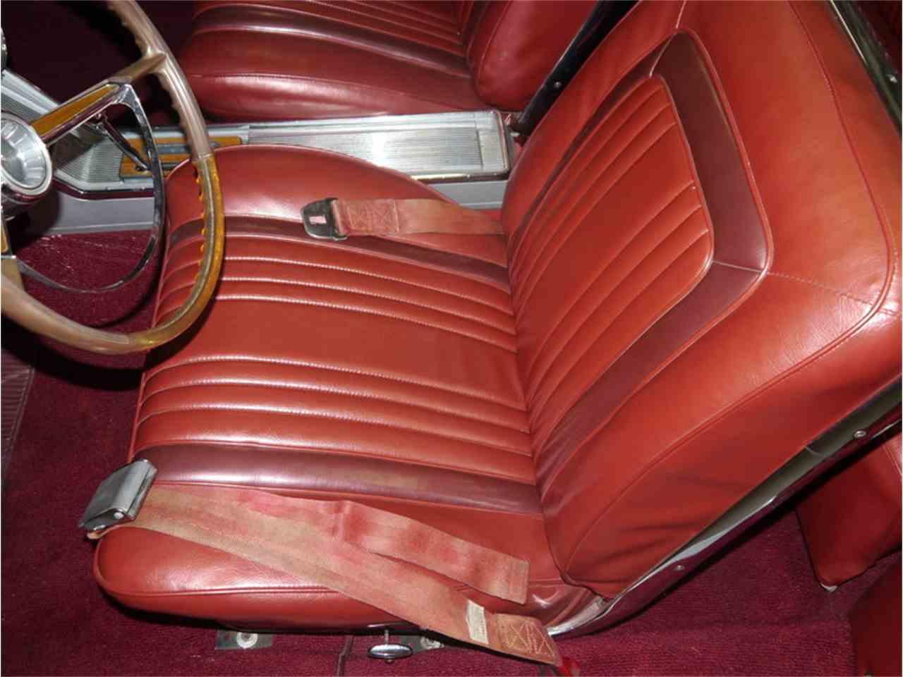 Large Picture of 1963 Pontiac Bonneville - LAZG