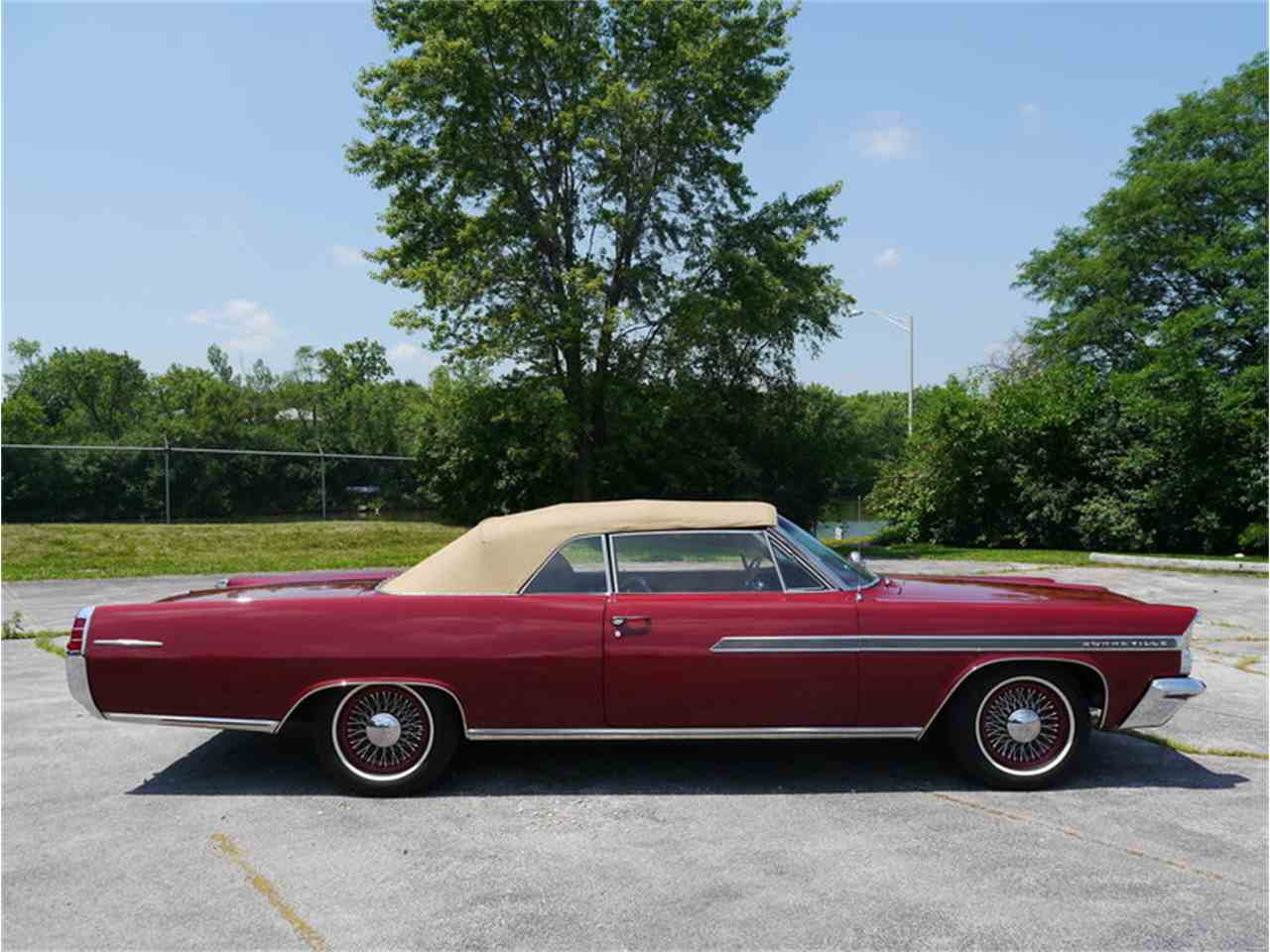 Large Picture of Classic 1963 Bonneville located in Alsip Illinois - LAZG