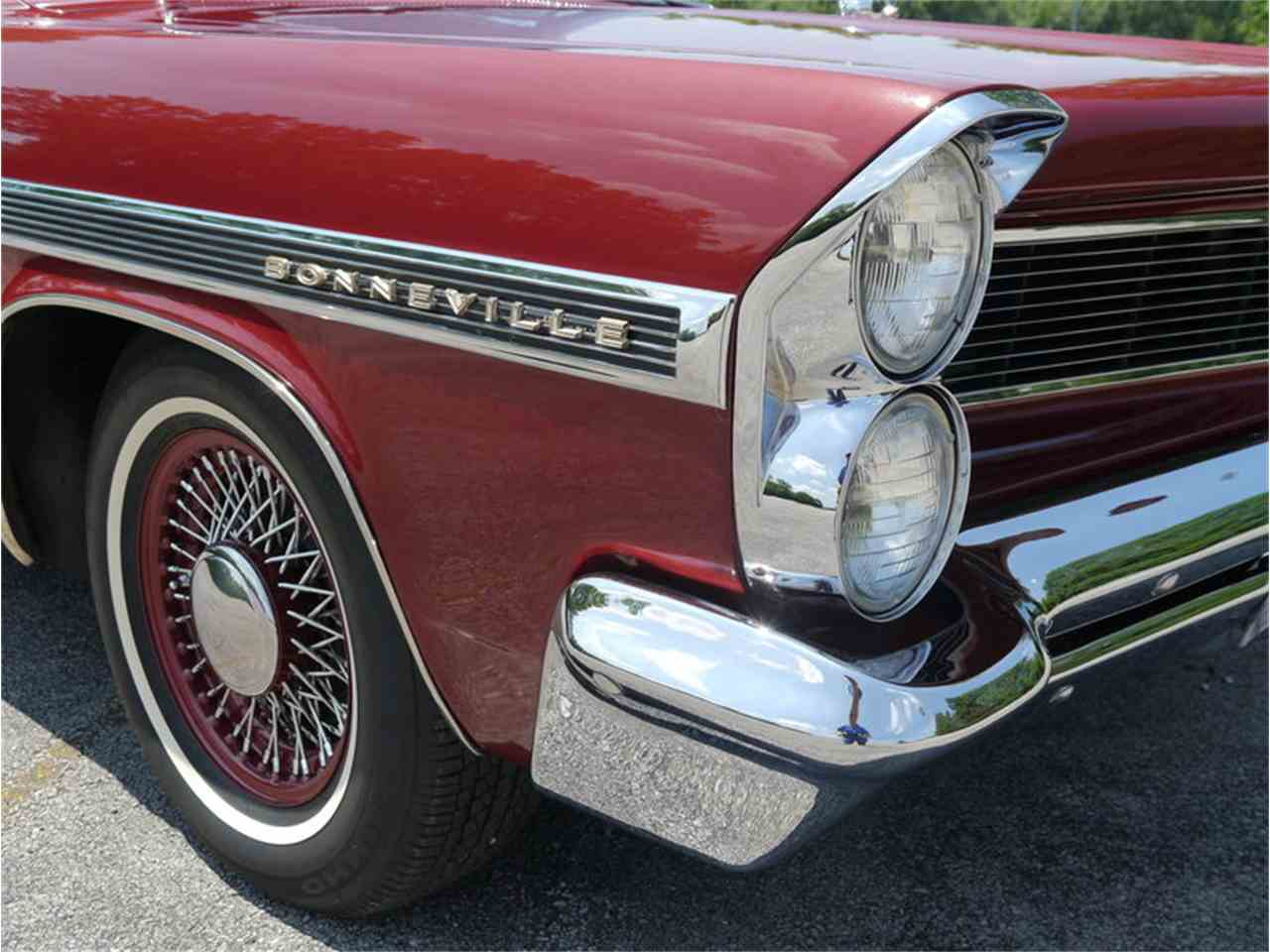 Large Picture of Classic 1963 Bonneville located in Alsip Illinois Offered by Midwest Car Exchange - LAZG