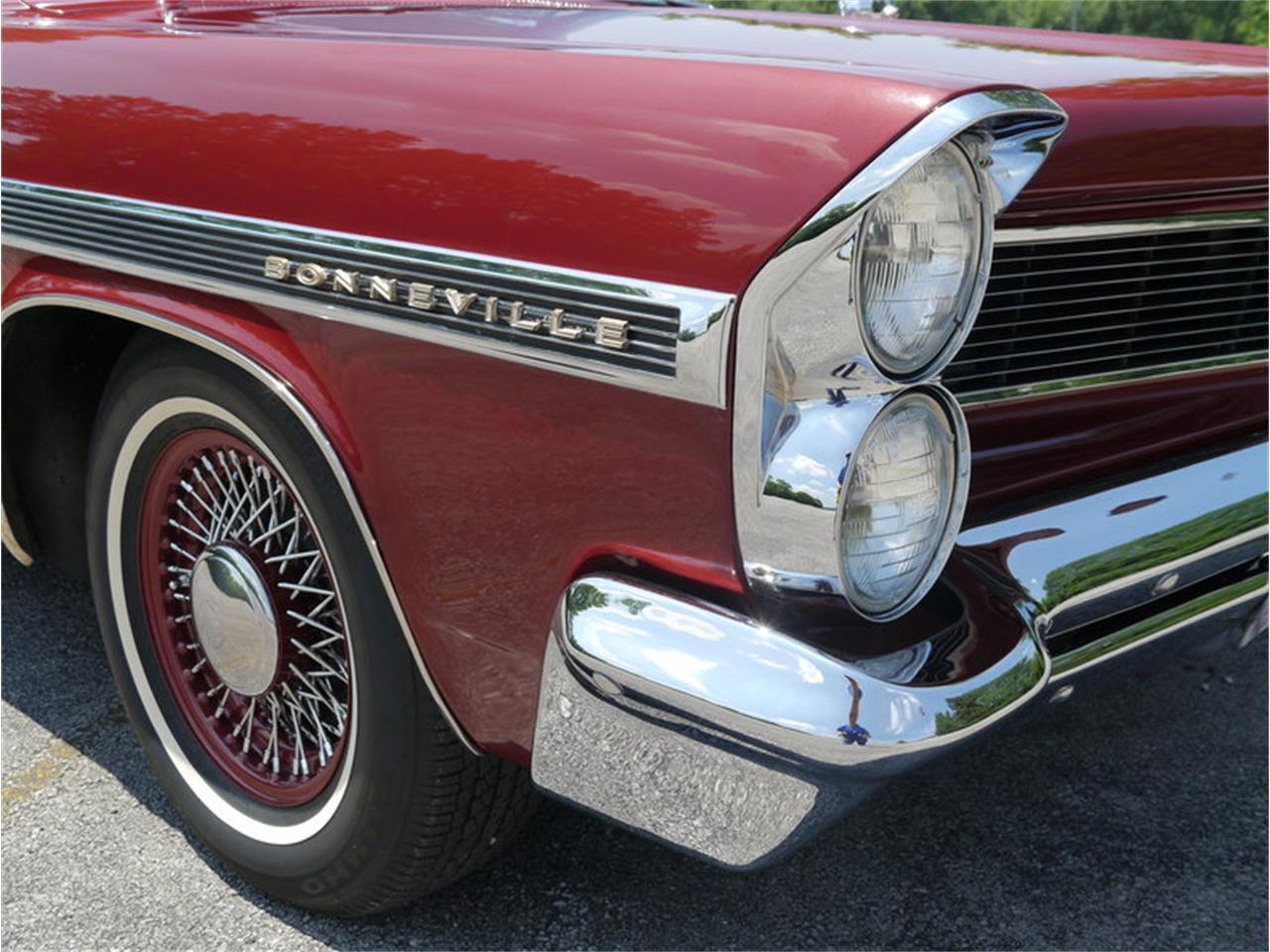 Large Picture of Classic '63 Pontiac Bonneville located in Illinois - LAZG