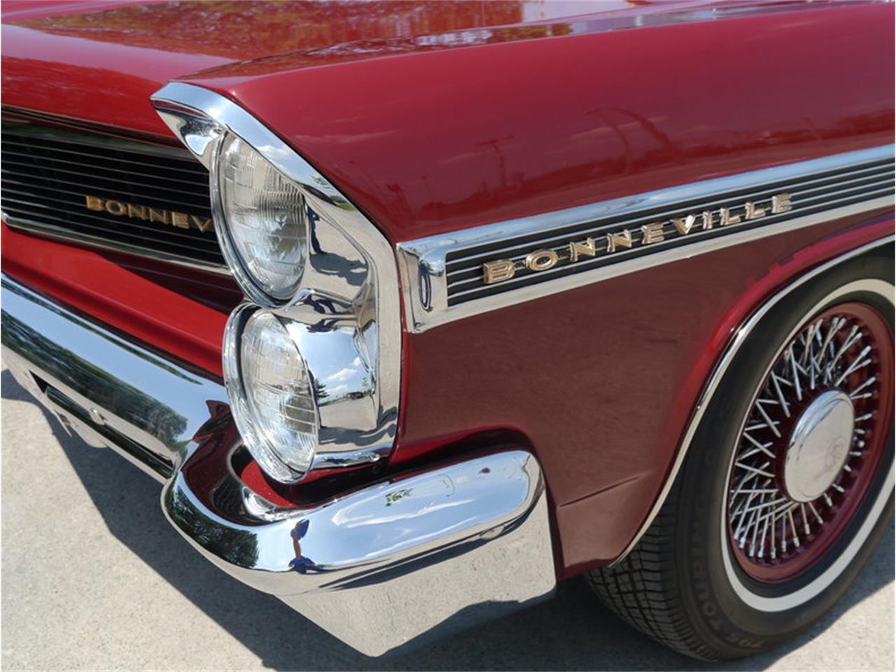Large Picture of Classic 1963 Pontiac Bonneville - $29,900.00 - LAZG