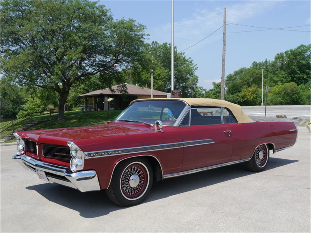 Large Picture of Classic 1963 Bonneville located in Illinois - $29,900.00 Offered by Midwest Car Exchange - LAZG