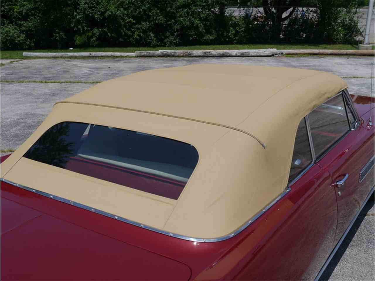 Large Picture of '63 Bonneville - LAZG