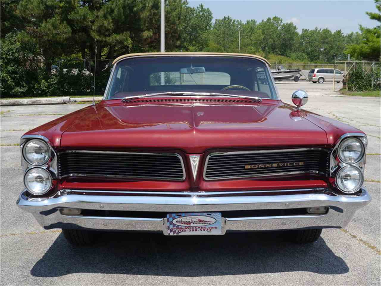 Large Picture of Classic '63 Bonneville located in Alsip Illinois Offered by Midwest Car Exchange - LAZG