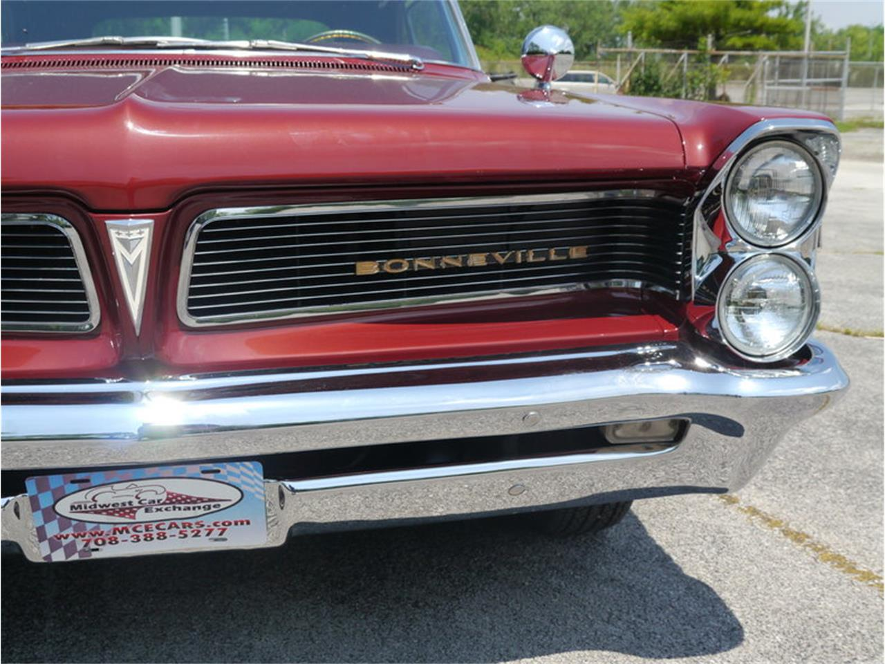 Large Picture of '63 Bonneville Offered by Midwest Car Exchange - LAZG